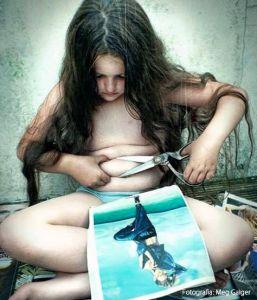 Ninguna niña nace odiando su cuerpo. Nosotros le enseñamos a hacerlo